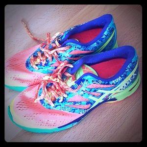 Asics T580N Gell Noosa Tri 10 women's runnin shoes